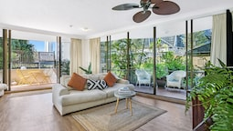 Boutique Surfers Paradise Escape