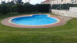 House With 3 Bedrooms in Nantes Sanxenxo, With Pool Access and Furnish