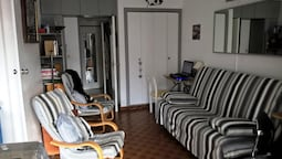 Apartment With one Bedroom in Agde, With Wonderful sea View and Wifi -