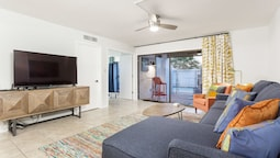 Scottsdale Living 2BR by Casago