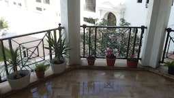 Apartment With one Bedroom in Casablanca, With Pool Access, Enclosed G