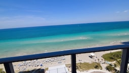 Beautiful Ocean Front 3 Bed 3 Bath @ Hyde Resort!