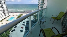 Amazing 2 Bed 2 Bath With Ocean View @ Tides