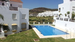 Apartment With 2 Bedrooms in Estepona, With Shared Pool and Furnished