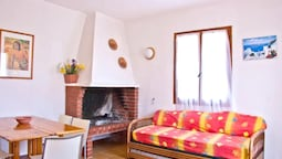 House With 3 Bedrooms in Porto Ottiolu, With Enclosed Garden