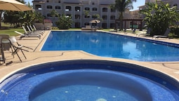 Green Bay - 2 Bedroom Condo-on El Tigre Golf Coarse-high End Furnishin