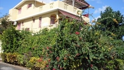 Apartment With one Bedroom in Flic en Flac, With Enclosed Garden and W