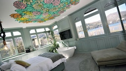 Bello! Lake Como Suites