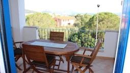 Apartment With one Bedroom in Golfo Aranci, With Wonderful sea View, F