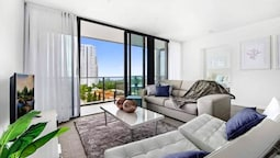 Broadbeach 2 Bedroom FREE WIFI, Netflix & Parking