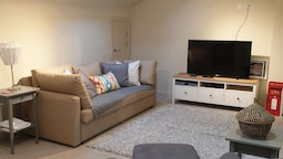 2 Bedroom Central Stylish Flat