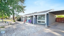 Scottsdale Sunshine! Gorgeous 3 Bd w/ Hot Tub