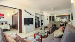 Family 2 BR Condo with Terrace within Golf course
