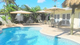 Casa Blanca 5/4 for 10 Guests Heated Pool, All New