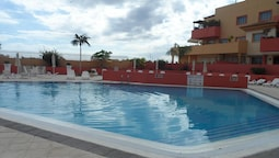 Apartment With 2 Bedrooms in Costa Adeje, With Wonderful sea View, Poo