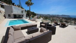Amigos - holiday home with private swimming pool in Moraira