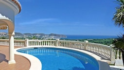 Bonita - sea view villa with private pool in Moraira