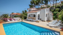 Paraiso Terrenal 8 - holiday home with private swimming pool in Costa