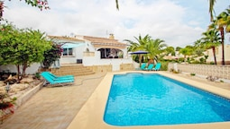 Paula-3 - holiday home with private swimming pool in Moraira