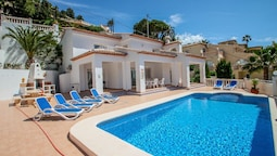 Sesam - sea view villa with private pool in Moraira