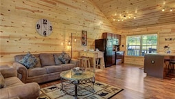 Knotty By Nature - Three Bedroom Cabin