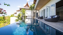 4-BR Seaview Villa with Large Pool at Surin Beach