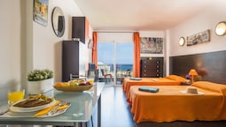 926. Seafront Studio with Fabulous View of Las Americas