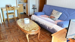 107666 - Apartment in  SANT CARLES