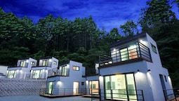 Hongcheon Stone Cube Spa Pension
