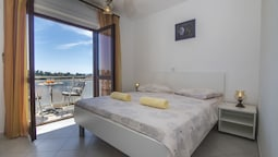 Apartments and Rooms Nikol