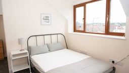 Top Floor Studio Near Bristol City