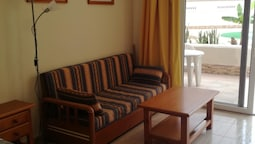 Studio in Costa del Silencio, With Shared Pool, Furnished Terrace and