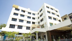 Capital O 40904 Hotel Satish Executive