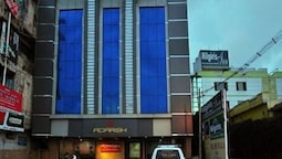 Hotel Adarsh International