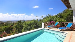 Bella Vista - Ideal for Couples and Families, Beautiful Pool and Beach