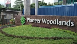 Condoluxe Pioneer Woodlands w/parking