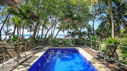 Nekaui Beachfront Villa 2 - Experience Nature