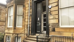 Bright 2 Bed City Centre Apartment