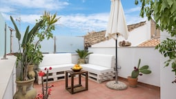 AM Suite with Terrace by Wonderful Italy