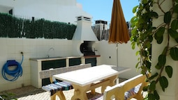 House With 2 Bedrooms in Vila Nova de Cacela, With Enclosed Garden and