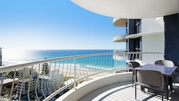 Acapulo 2 Bed Ocean View Surfers Paradise