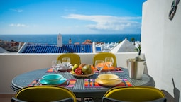 Apartment With 2 Bedrooms in Playa Paraíso, With Wonderful sea View, F
