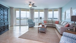 Private Balcony With Sweeping Views - Unit Crc0604