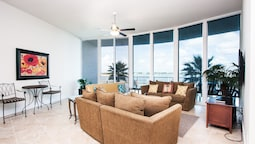 Three Bedroom With Waterfront Views - Unit Crc0104