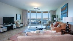 Two Bedroom Condo With Bay Views - Unit Crc0301