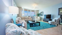 Two Bedroom Condo With Magnificent Bay Views - Unit Crc0501