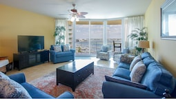 Two Bedroom Waterfront Condo - Unit Crc0601