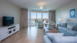 Two Bedroom With Majestic Bay Views - Unit Crc1201