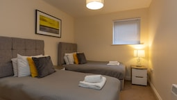 Higher Living - Professional Southampton Apartment