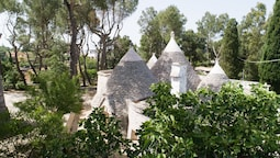 Trullo Bosco Selva Fasano by Typney